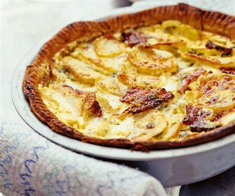astuces de cyril lignac tarte aux pommes de terre et au