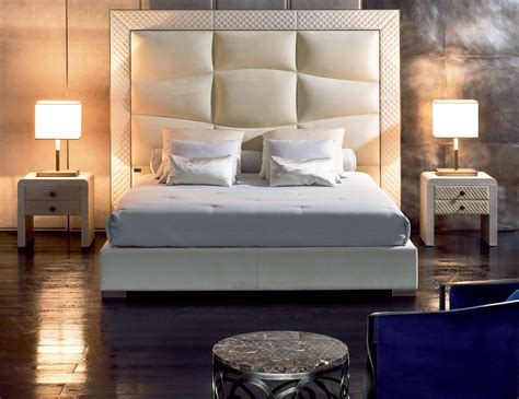 Nella Vetrina Rugiano Onda 2068 Upholstered Bed In Leather