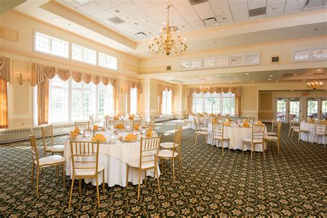 Main Dining Room At Colonia Country Club