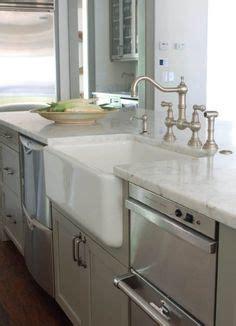 kitchen cabinets with glass kitchens benjamin gettysburg gray white plank 6470