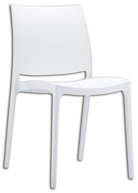 chaise plastique blanche cette chaise blanche empilable et légère est parfaite pour