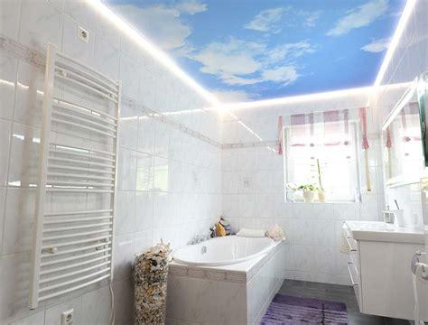 Decke Im Badezimmer by Wolkendecke Im Badezimmer Plameco Fotomotive An Der