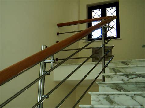 corrimano scale in legno ringhiera da interni in acciaio inox con corrimano in legno