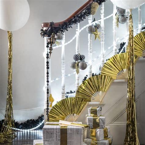 jazz   staircase modern christmas decorating ideas