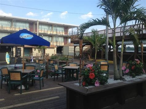 the deck picture of airport waterfront inn essington