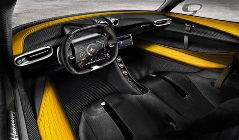 hennessey venom  shows  carbon fibre interior
