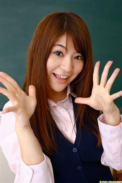 megu fujiura japanese idols  aruysuy