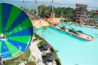 Seas Seven Waterpark Resort Travel