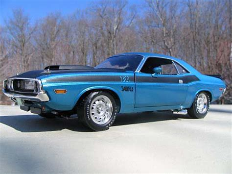 1998 Dodge Challenger by Supercar Collectibles 1 18 1970 Dodge Challenger T A Le