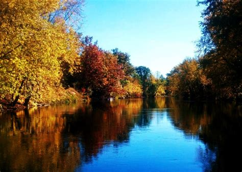 Boat Landing Shiocton Wi by One Of The Many Ways To See The Wolf River Fall Travel