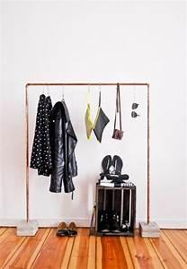 Garderobenständer Selber Bauen : garderobenst nder diy kleiderst nder selber bauen recyceln bodenbelag holz kreativ garderobe ~ Orissabook.com Haus und Dekorationen