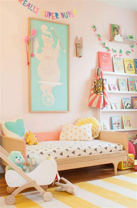 decoration murale pour chambre décorer un pan de mur avec nos idées en 42 photos