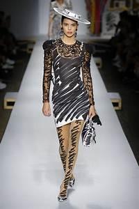 Milan Fashion Week Spring/Summer 2019: Moschino - OnoBello.com