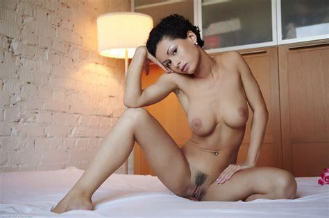 schone madchen nackt kurze haare