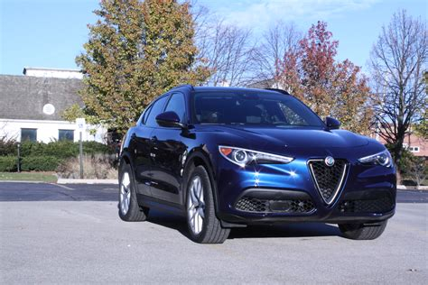 review  stelvio  alfa romeo    core ars