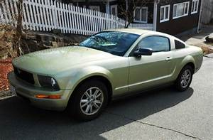 Buy Used 2006 Ford Mustang Base Coupe 2