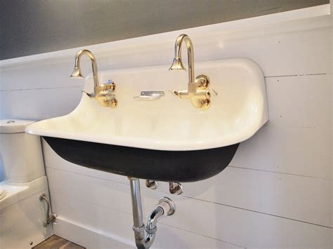 vintage style bathroom sinks vintage wall mount bathroom sink home design ideas vintage