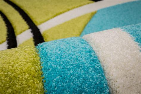tapis chambre bleu tapis bleu et vert 28 images tapis soyeux bleu