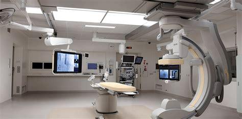 salle de catheterisme cardiaque salle d op 233 ration hybride un espace consacr 233 aux soins cardiaques multidisciplinaires