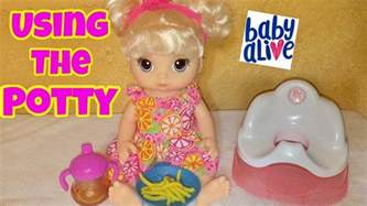 baby alive snackin noodles tries the potty chair 2017 new