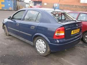 Opel Astra 2001 : 2001 vauxhall astra photos informations articles ~ Gottalentnigeria.com Avis de Voitures