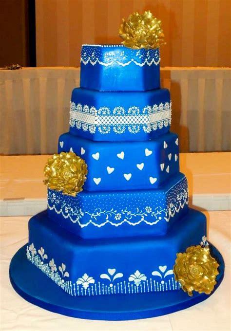royal blue gold wedding cake boda cake blue gold