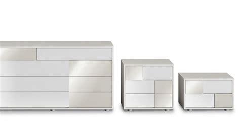 Comodini Design Moderno by Comodino Moderno Tebe Specchio Di Orme Design