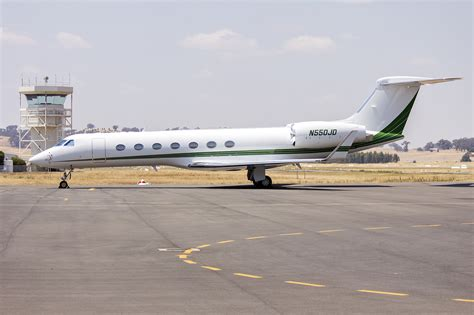 File:Deere & Company (N550JD) Gulfstream Aerospace GV-SP ...