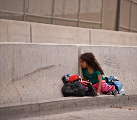 children   border    mexico border crossing