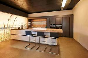 Küche Aus Beton : moderne k che mit bar 6 ideen f r eine bartheke aus holz stein und beton k chenfinder magazin ~ Sanjose-hotels-ca.com Haus und Dekorationen