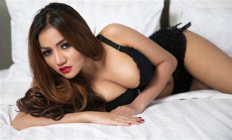Foto Ova Vellova Male Magazine Edisi Oktober Galeri Photo Hot Indonesian Photoshoot