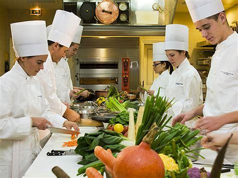 id馥 cuisine originale ecole de cuisine ferrandi restaurant 28 images r 233 fectoires et restaurants modulaires professionnels solfab le grand cours de cuisine par