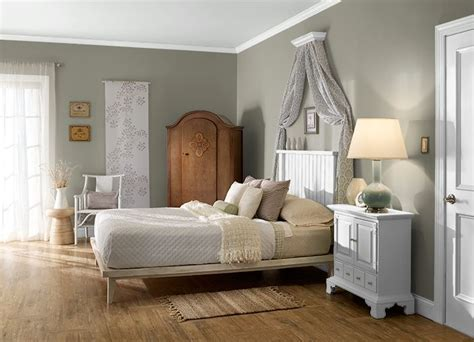 this is the project i created behr i used these colors muted n350 5 sawgrass n350
