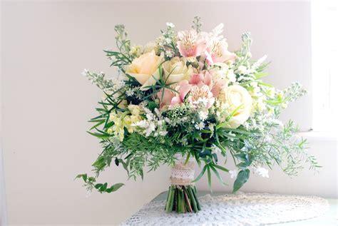 14 Fresh And Fabulous Springsummer Wedding Bouquets
