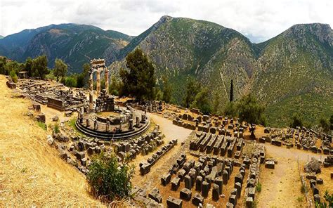 L'Oracolo di Delfi, il più famoso e temuto centro ...