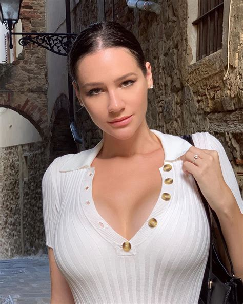 Alina Lewis Busty Brunette Czech Girl Page Of Fapdungeon