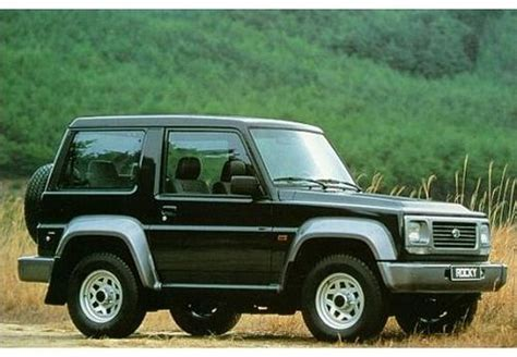 Compare Daihatsu Feroza And Daihatsu Rocky. Which Is Better?