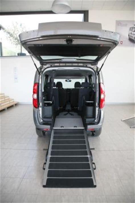 auto per disabili con pedana opel combo f style 2 con allestimento per disabili l auto
