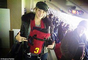 Shakira's son - FIRST PHOTO of baby Milan: Singer ask for ...