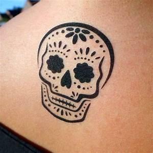 Tete De Mort Fleur : tatouage tete de mort mexicaine fleur cochese tattoo ~ Mglfilm.com Idées de Décoration