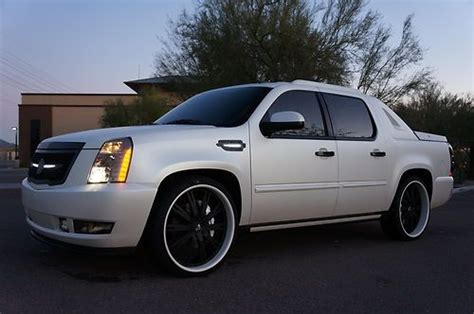 auto air conditioning service 2011 cadillac escalade ext electronic toll collection purchase used 2011 cadillac escalade ext built for sema matte white brembo 26 quot strut kicker in