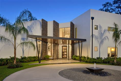modern home with walls contemporary exterior