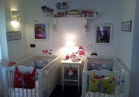 chambre de b b jumeaux décoration chambre bébé jumeaux bébé et décoration