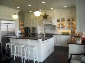 Black and White Farmhouse Kitchen