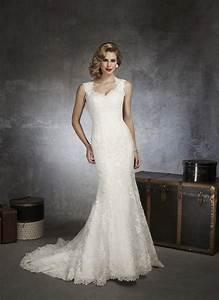 Justin alexander 8656 vintage lace wedding dress crazy for Justin alexander vintage wedding dress