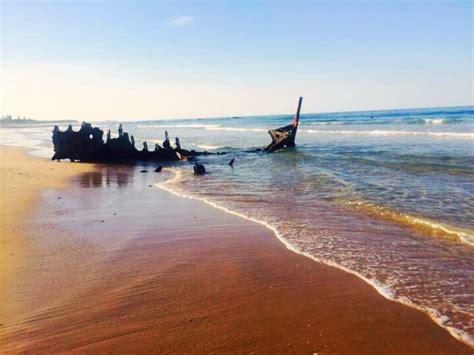 Boat Shop Caloundra by Dicky Shipwreck Qld Aus By Soundchain On Deviantart