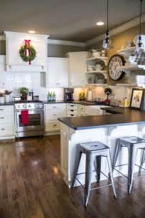 minimalist trends white kitchen cabinets   chic