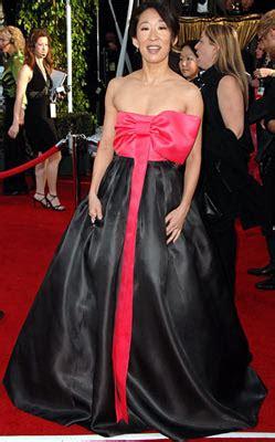 sandra oh red dress designer the glam guide january 2008
