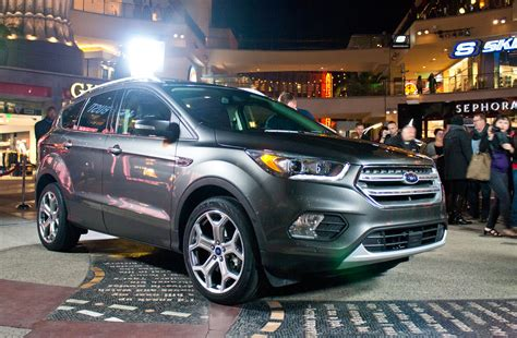 ford crossover escape 2017 ford escape 4 things you need to know about the