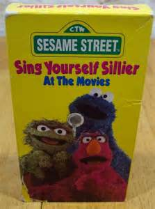 Sesame Street Sing Yourself Sillier At